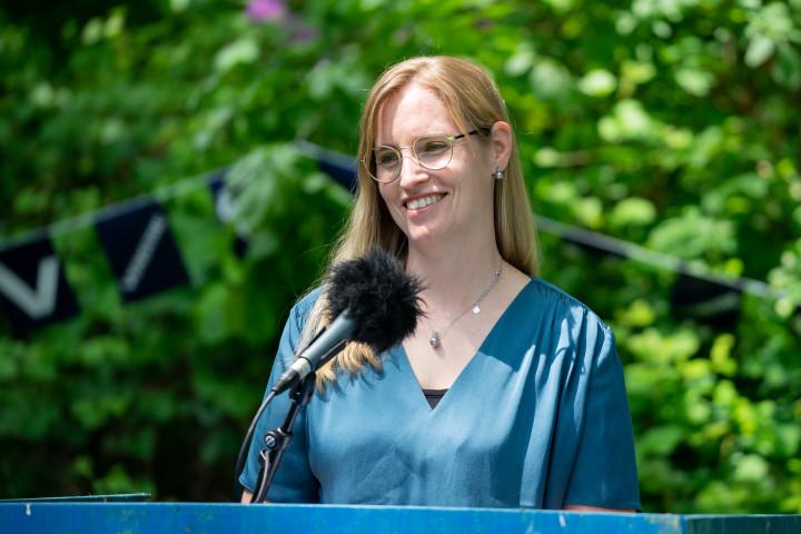 Stephanie Lose på talerstolen ved Venstres markering af Grundlovsdag 2021.
