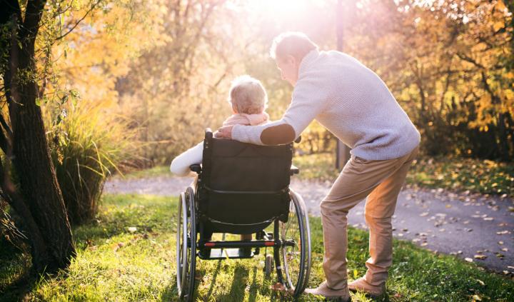 Venstres ældrepolitik vil sikre, at ældre borgere får en værdig alderdom.
