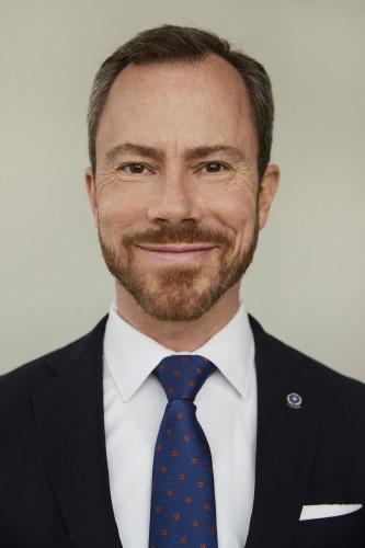 Flere danskere skal have hverdagen tilbage, skriver Venstres formand, Jakob Ellemann-Jensen.